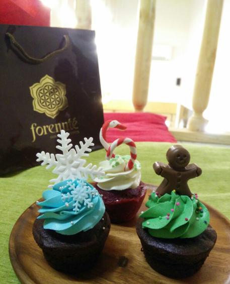 forennte-chritmas-hamper-cupcakes